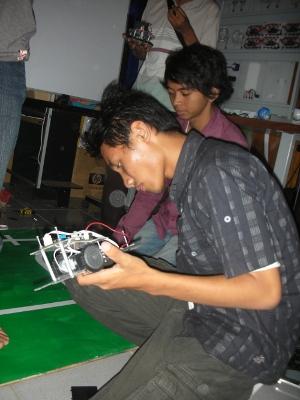 Persiapan di Lab. Mekatronika Unijoyo